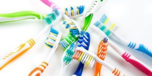 5 Best Manual Toothbrushes That Give You Superior Clean